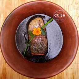 Mole Negro con Trucha Salmonada