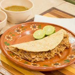 Quesadilla con Cochinita Pibil