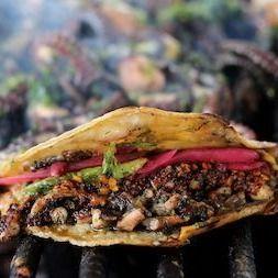 Taco Rellena de Mariscos