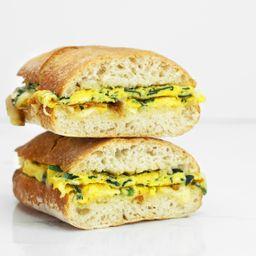 Sandwich de Huevito Brie