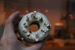 Rosca de matcha con chocolate blanco