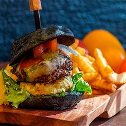 Hamburguesa Blackburger con Piña