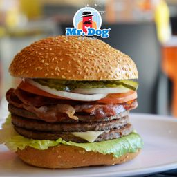 Hamburguesa Mr Triple Bacon Cheese
