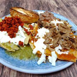 Chilaquiles Vegetarianos con Carne
