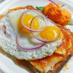 Huevos Montados