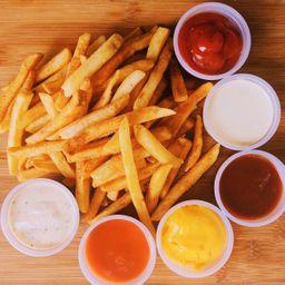 French Fries con Sampler de Salsas