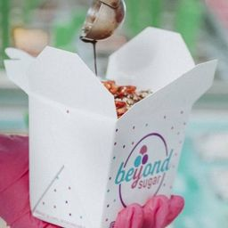 """""""china Box"""" 3 Scoops + 7 Toppings"""