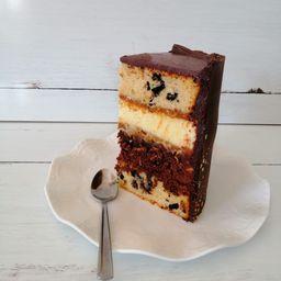 Rebanada de Pastel Triple Cake