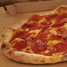 Pizza Tradizionale Salumi