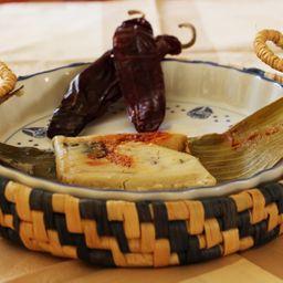 Tamal Costeño Salsa Guajillo