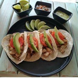 Tacos de Pescado Robalo