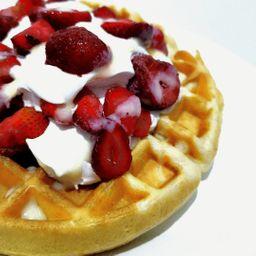 Waffle Fresa con Crema