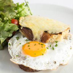 Sándwich de Huevo en Pan Brioche