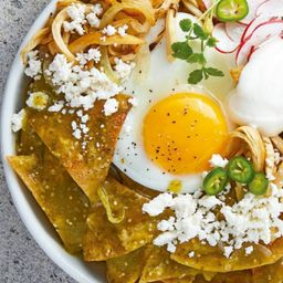 Chilaquiles Verdes con Huevos