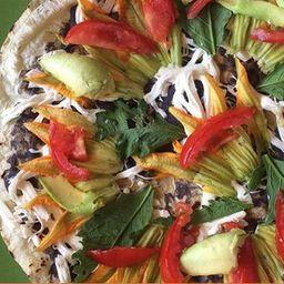 Tlayuda Oaxaqueña Vegetariana