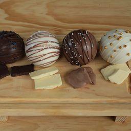 Bombas de Chocolate, Caja con Cuatro
