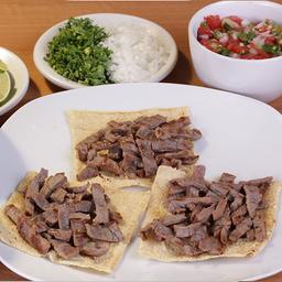 Taco Cuadrado Maíz Costilla de Roast Beef
