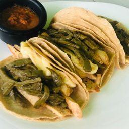 Tacos de Bisteck de Pollo con Queso y Papas