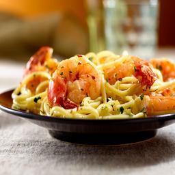 Spaghetti Carbonara con Camarones