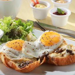 Huevos à Cheval Champiñones