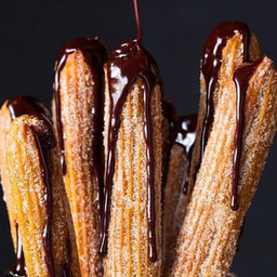 15 Churros con Salsa Chocolate