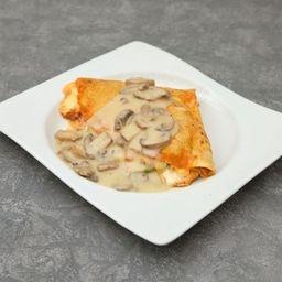 Crepa Pollo con Salsa de Champiñones