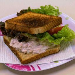 Sándwich con Atún