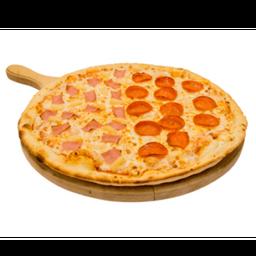 Pizza monstruo mitad pepperoni/hawaiana