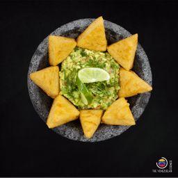 Guacamole con Arepita Chips