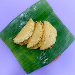 Tres Cochinitos. 3 Tacos de Cochinita