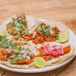 Taco Carnitas Soya con Queso Vegano