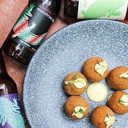 Botanero: Croquetas y Cervezas