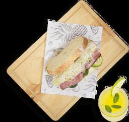 Roast Beef Sándwich + Agua