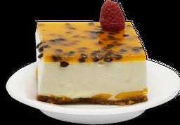 Mousse de yogurt con mango y maracuyá (Chico)