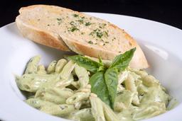Penne al Pesto con Pollo & Provolone
