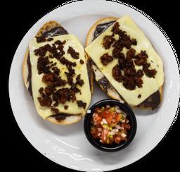 Molletes Chorizo