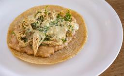 Tres Tacos de Rajas con Kale