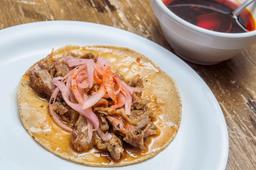 Tres Tacos de Carnitas Achicaladas