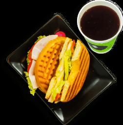 Paquete de bagel de pavo con queso + bebida
