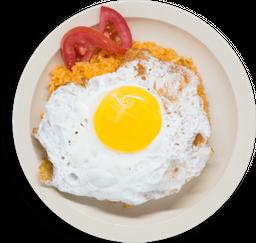 Arroz rojo con huevo