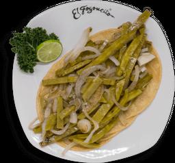 Tacos de Nopal Encebollado