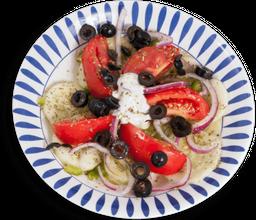 Ensalada Griega (Joriatiki Salata)