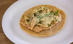Tres Tacos de Pollito en Crema