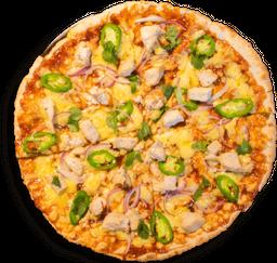 Pizza Pollo BBQ, Cilantro, Cebolla y Jalapeño
