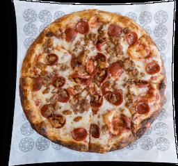 Pizza Selección del Carnicero + 1 Cerveza + Cerveza Gratis