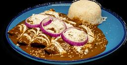 Enchiladas en Salsa Pasilla
