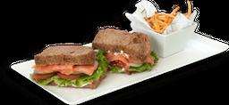 Sándwich Bagel de Salmón
