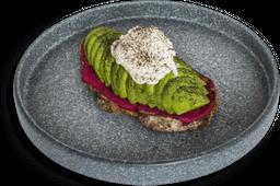 Avocado Toast y Puré de Betabel