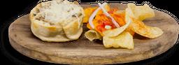 Empanada de Hongos y Provolone