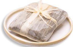 Tamal de Huitlacoche y Salsa Roja